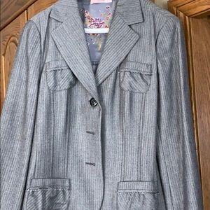 Feminine grey tone jacket